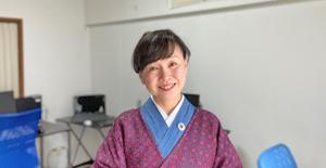 講師の藤瀬美奈です
